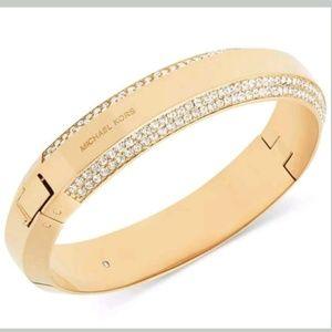 MICHAEL KORS Gold/Crystal Logo Plaque Bracelet